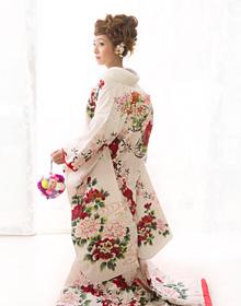 花嫁様のご負担にならない着付を心がけています